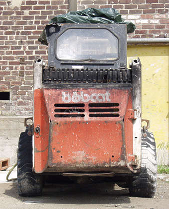 bobcat vehicle digger