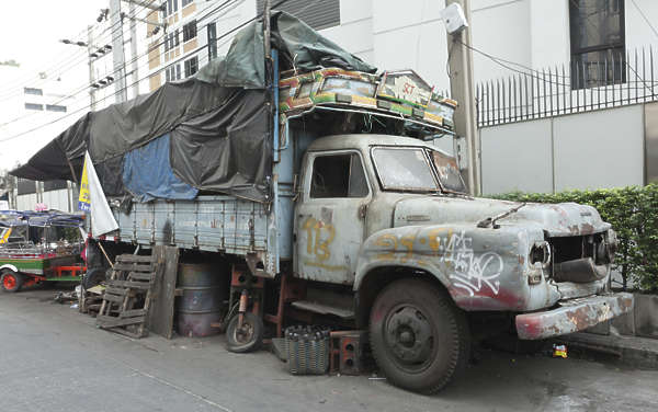 thailand bangkok asia asian truck old rusted weathered vehicle car dirty