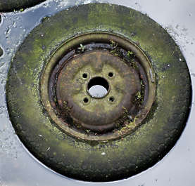 wheel old dirty trash garbage tyre tire