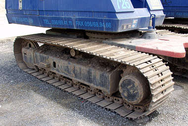 wheel wheels track tracked tracks