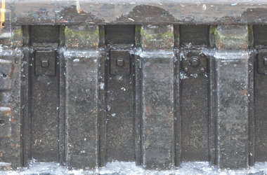 metal bulkhead water harbour