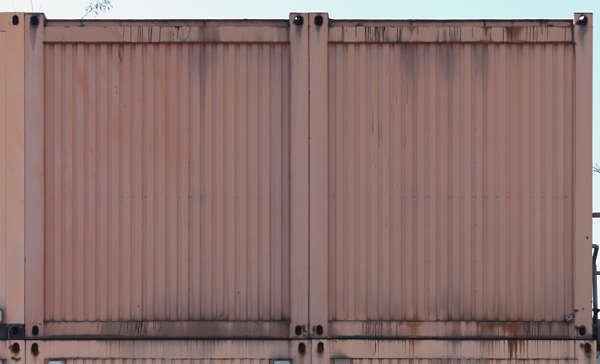 container backside metal