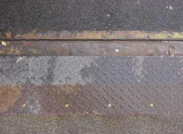 treadplate threadplate tearplate metal asphalt tarmac seam