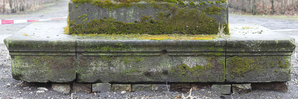moss mossy gradient stone cementary