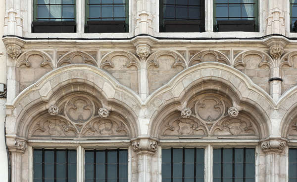 ornament arch stone facade building