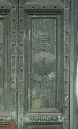 ornament door bronze