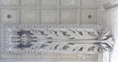 ornament ceiling support ornate