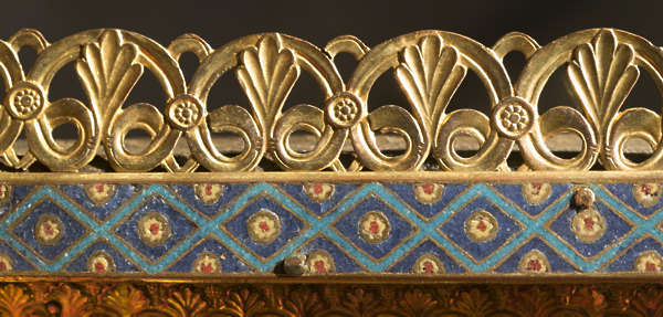 ornate ornament glide gold border