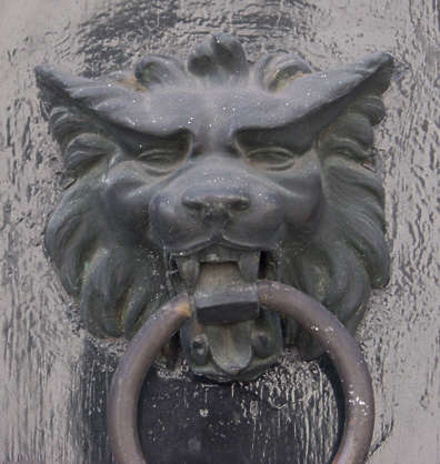 statue ornament knocker lion hound bronze old ring