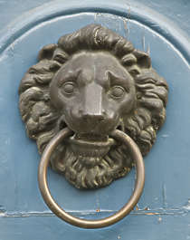 lion door knocker doorknocker ornament bronze