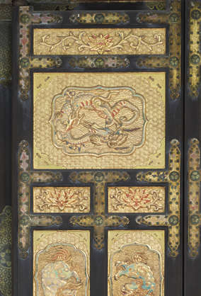 ornament ornate door gilded gold oriental door frame relief japan japanese shrine temple