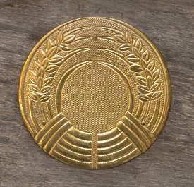 ornament ornate oriental gilded gold round circle emblem japan