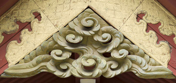 ornament ornate relief sculpture wood waves oriental japan japanese corner