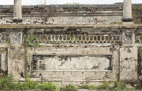 wall ornate old vietnam