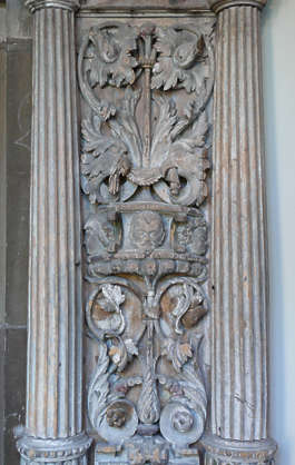 ornament pillar relief