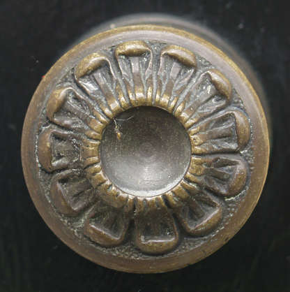 ornament doorknob round circle metal gold flower petal
