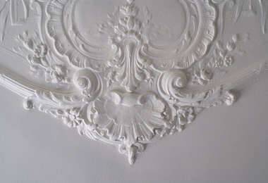 ornament ceiling