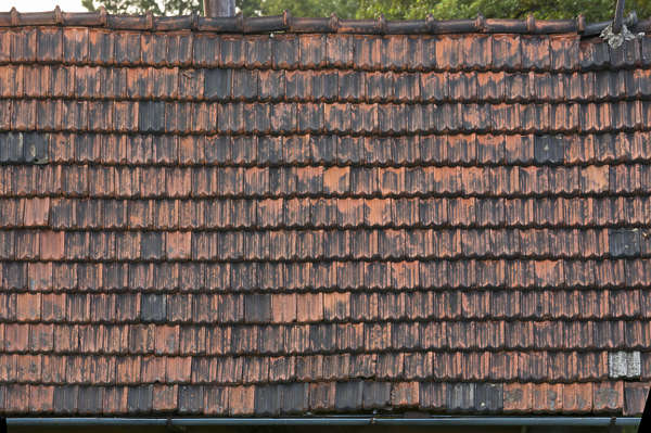 rooftiles ceramic old dirty
