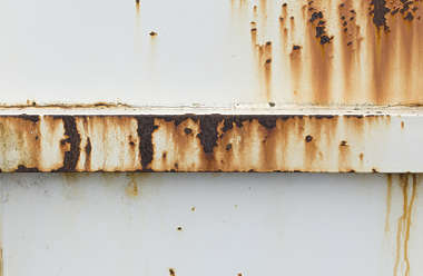 metal rust paint leaking rusted