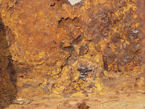 rust cracked