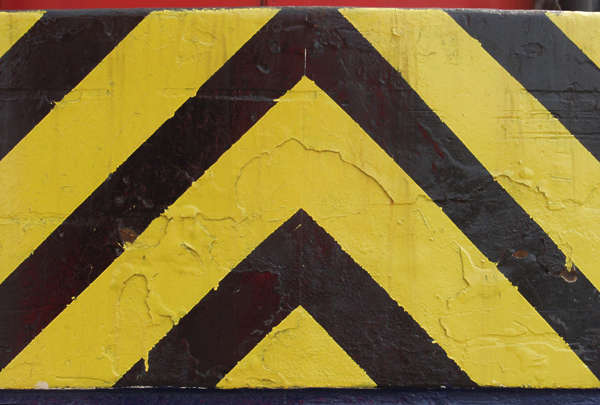 sign black yellow stripes paint warning rough stripe
