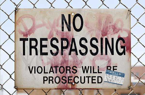 sign english new york NY US keep out trespassing