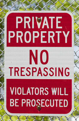 sign english new york NY US trespassing private property