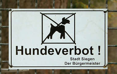 forbidden dogs german sign