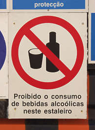 sign warning forbidden alcohol drink portuguese