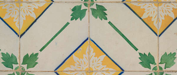 tiles ornate portuguese azulejo portugual vintage handpainted hand painted Portugal patterned