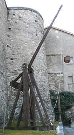 Trebuchet catapult weapon medieval