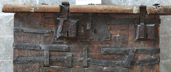 chest box treasure lock locks wood