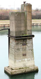 concrete reference pillar