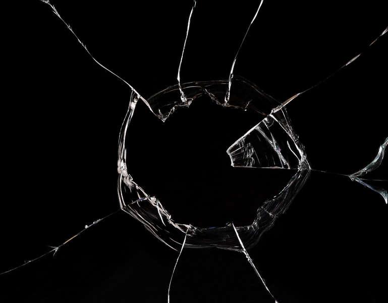 download broken glass 2560x1440 - photo #13