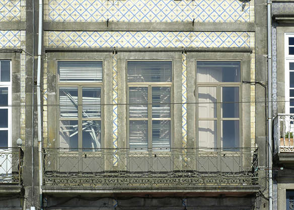 facade building house windows