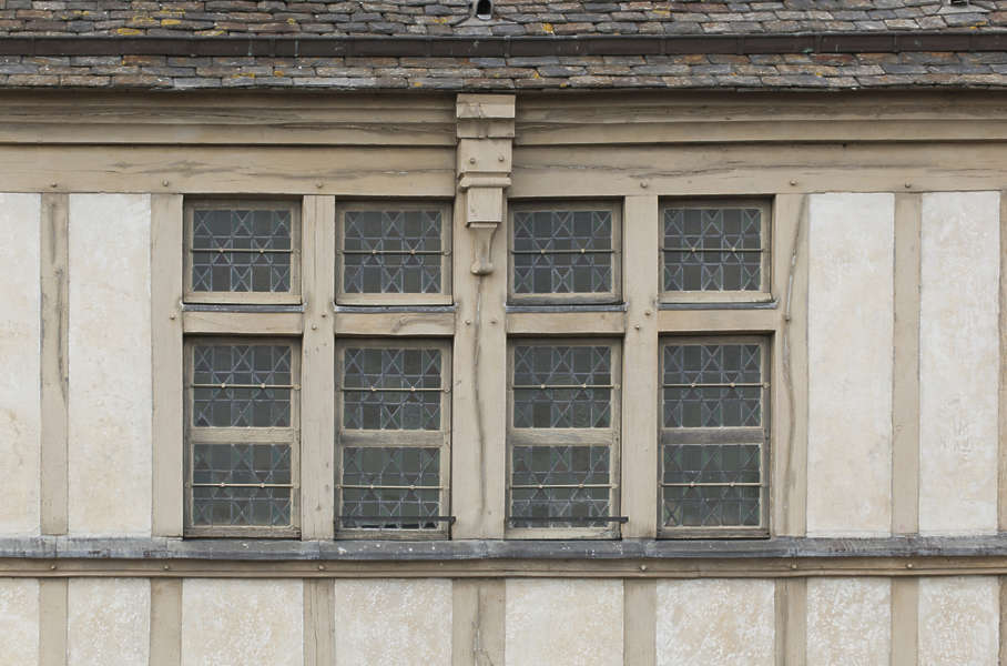 windowshouseold0118 free background texture window tudor house plans with breezeway tudor house plans with turret