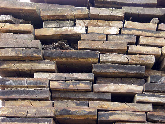 wood end stack planks