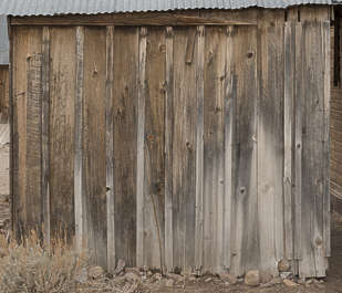 USA Bodie ghosttown ghost town old western goldrush desert arid wood planks wooden siding bodie_002 barn
