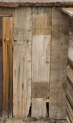USA Bodie ghosttown ghost town old western goldrush desert arid wood planks bodie_019