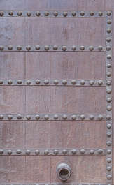 studded reinforced wood spain